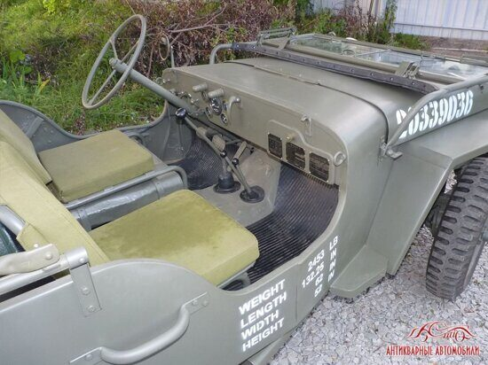 Willys MB салон